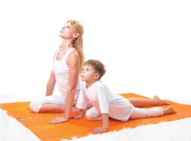 Mom-child-yoga-kid-101