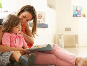 apo to attachment parenting ston anexartito enilika