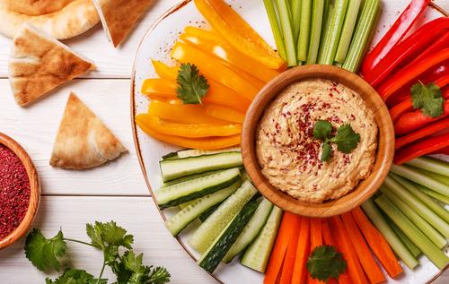 Alkaline-Snacks-Hummus-and-Vegetables