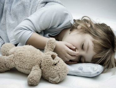 Baby-coughing-at-night-during-sleep-1140x680 (1)