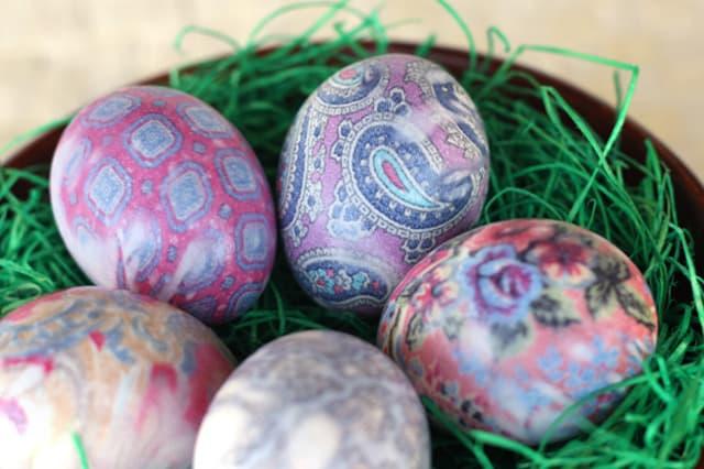 silkdyed-eggs-1